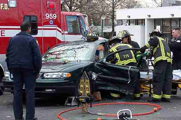 how-to-handle-personal-injury-case-firefighters-at-site-of-car-accident