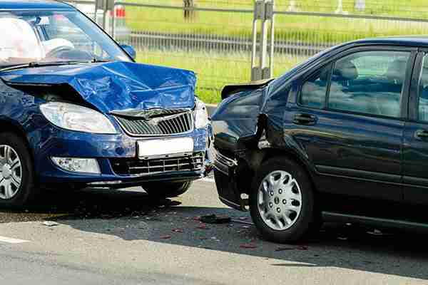 personal-injury-lawyer-on-long-island-two-cars-after-accident-with-damaged-front-and-rear